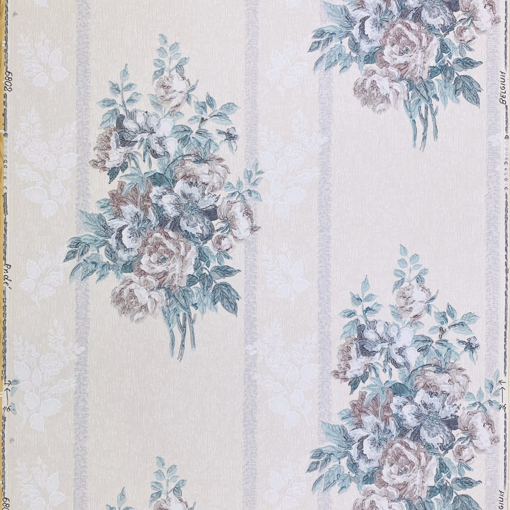 1940s Floral Wallpaper Purple and Blue 1