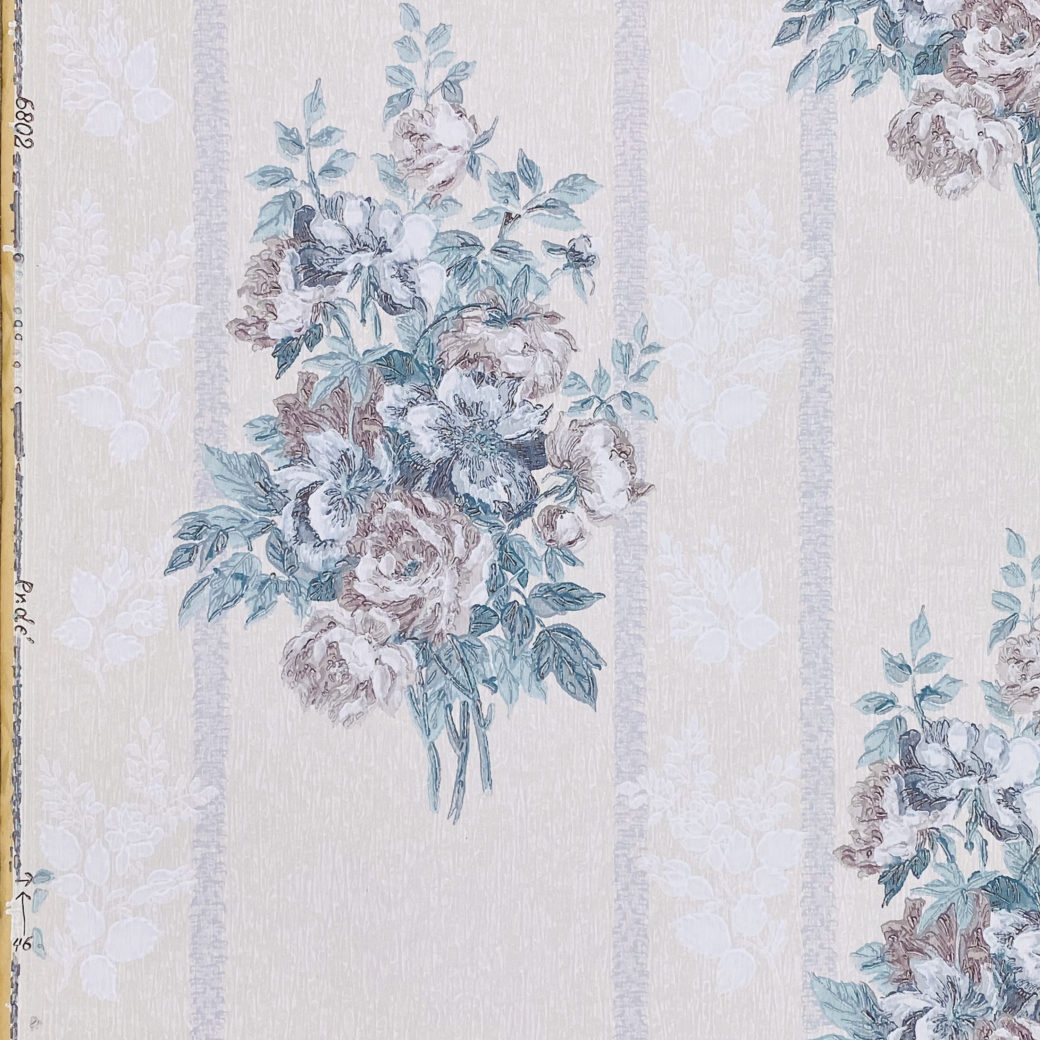 1940s Floral Wallpaper Purple and Blue 3