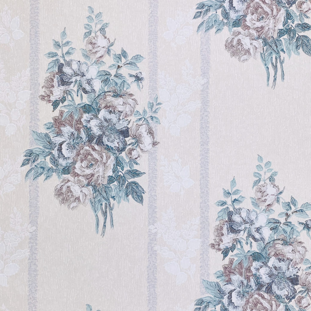 1940s Floral Wallpaper Purple and Blue