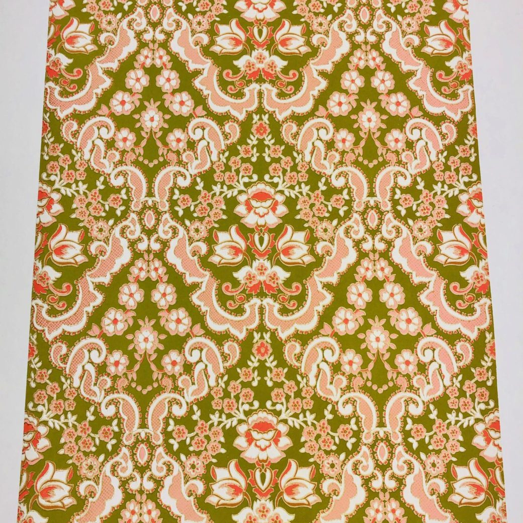 Green and pink baroque wallpaper 1