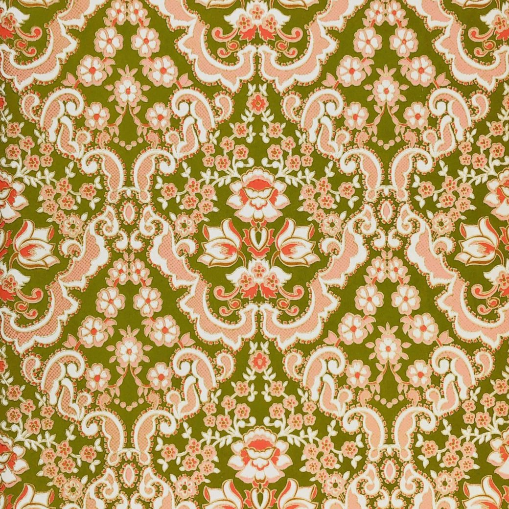 Green and pink baroque wallpaper 2