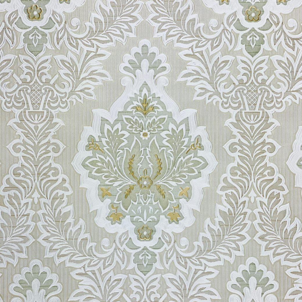 Vintage Baroque Castle Wallpaper White and Gold 5