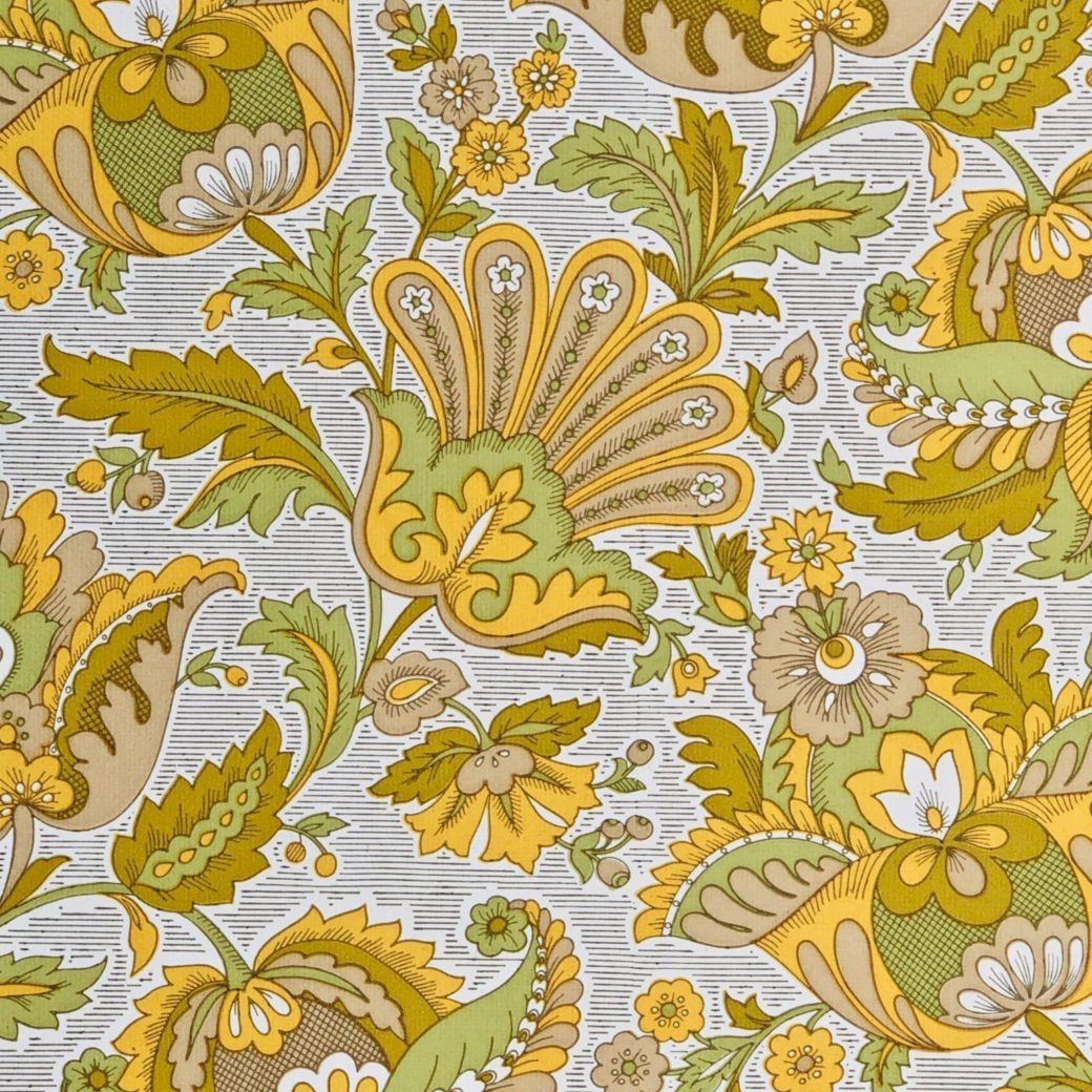 Vintage yellow floral wallpaper 2