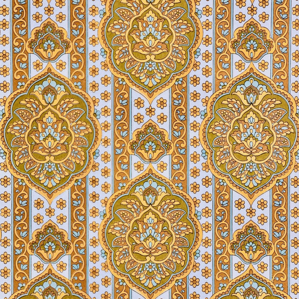 Yellow medallion wallpaper